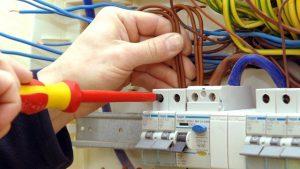 manutenção elétrica em Guarulhos 300x169 - Eletricista Bonsucesso - Guarulhos(11) 98586-5809